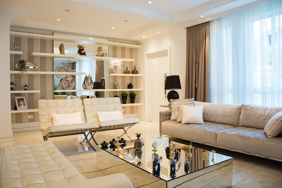 montaż karniszy sufitowych w domu