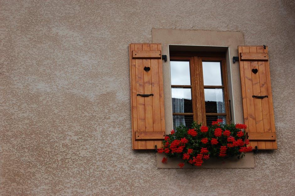 okna skrzynkowe coraz bardziej popularne